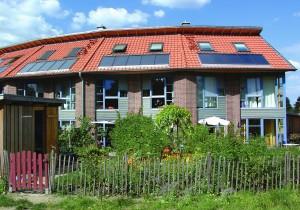 solarstrom fuer haushaltsgeraete, Haus mit Solarzellen
