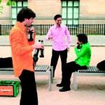 Berliner Quintett spielt Mozart auf leeren Flaschen