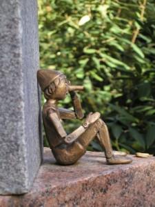 Pinocchio, Luegen, Wahrheit, Ehrlichkeit, Luegen haben kurze Beine