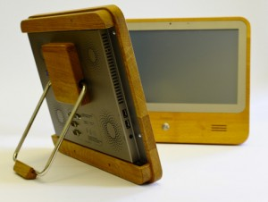 Iameco, MicroPro, Fraunhofer IZM, Touchscreen-PC, Holz-PC