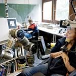 Roboter ermöglicht behinderten Menschen wieder zu arbeiten