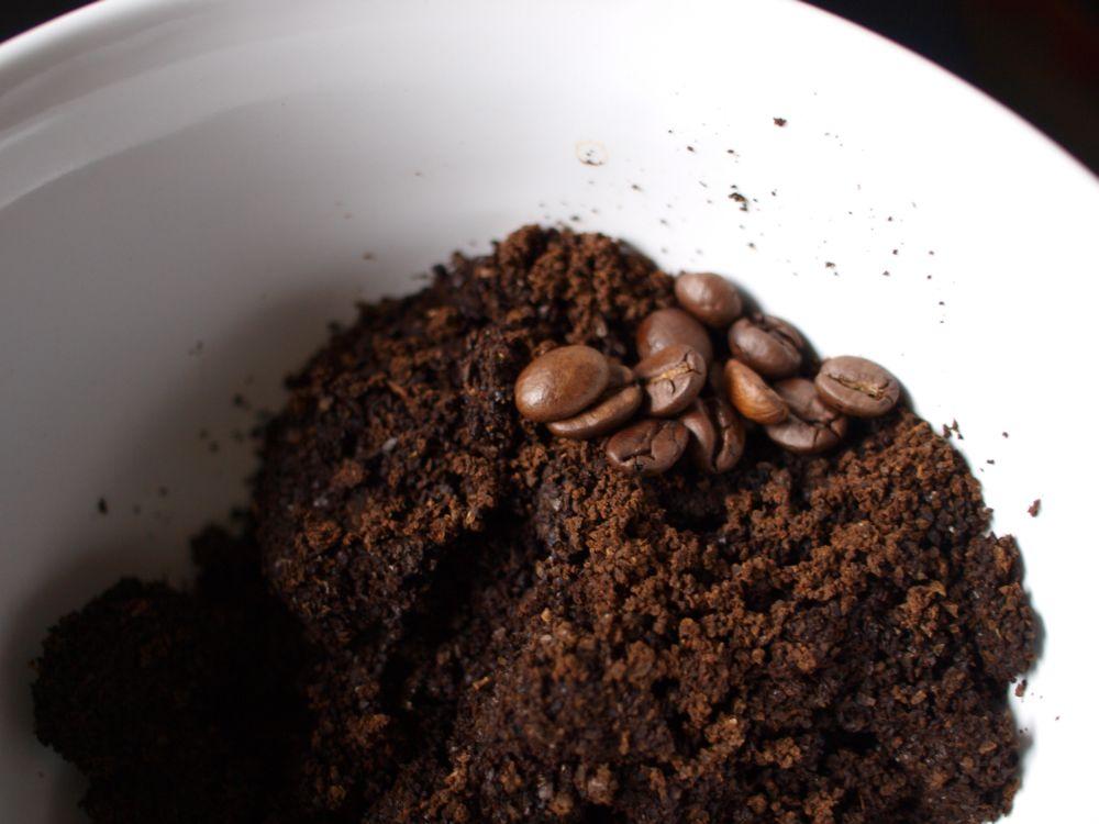 Kaffeesatz, Textilien, Kleidung, positive Nachrichten