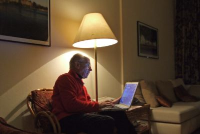 Rentner am Laptop, rent a rentner, positive nachrichten