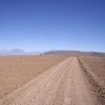 Solarmobile sausen durch die Atacama-Wüste