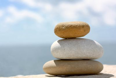 Kieselsteine, entspannung, yoga, positive nachrichten