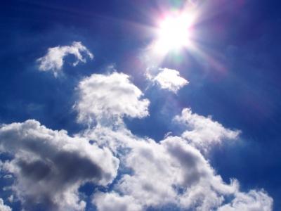 Sonne und Wolken, positive nachrichten, solarfonds, gruenes geld