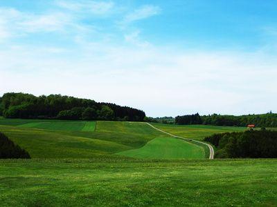 Felder, Schwaebische Alb bei Sonnenbuehl, Baden-Wuerttemberg, gentechnikfreii, positive nachrichten