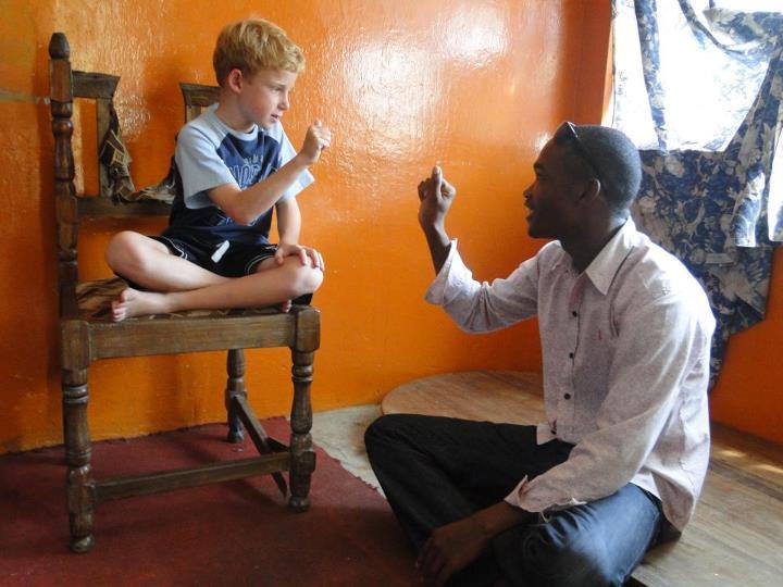 Gehoerlose auf Reise, positive nachrichten, Sansibar