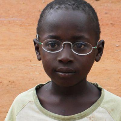 Junge mit EinDollarBrille, one dollar glasses