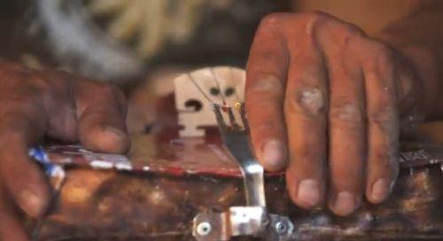 Musikinstrumente aus Muell, recycling, positive nachrichten