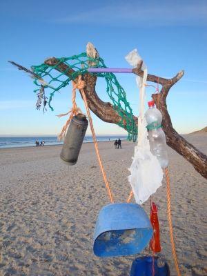 umwelt  Müll aus dem Meer wird zu Verpackungsmaterial gesammelter Muell