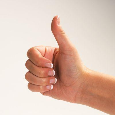 Gebaerde super, Daumen hoch, Deaf Slam, aktion mensch, gebaerdensprache, positive nachrichten