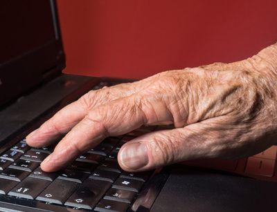 Rentner, aeltere Menschen, PC, positive nachrichten