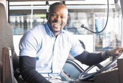Justin Zongo, busfahrer, singer, ruesselheim, positive nachrichten