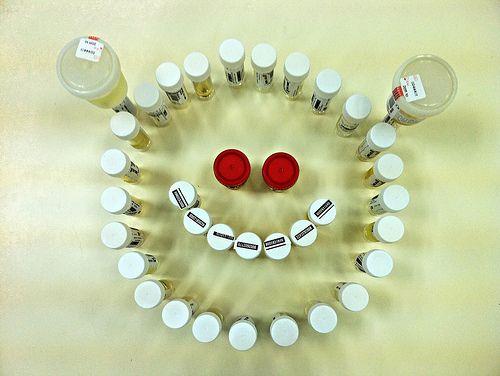 Urinproben-Smiley, unerschoepfliche energiequelle, akku, handy, urin, positive nachrichten