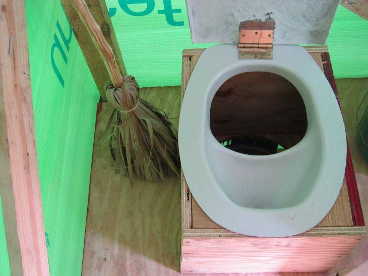 green toilet, kompost toilette, soil, positive nachrichten