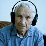 96-Jähriger rührt mit Liebeslied die Welt zu Tränen