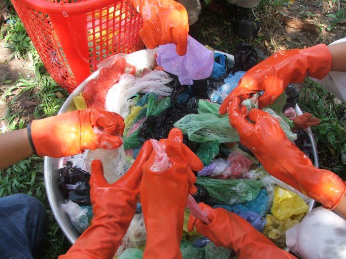 funky junk, plastiktueten werden gereinigt, positive nachrichten