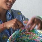 ″Funky Junk″ – recycelte Plastiktüten werden zu  bunten Accessoires