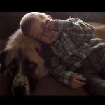 Rührende Geschichte über einen Jungen mit Schwartz-Jampel-Syndrom und dessen Hund