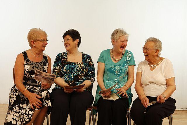 Lachen, Leben, gesund altern, positive nachrichten