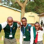 Teenager aus Kenia verwandelt Exkremente in saubere Energie