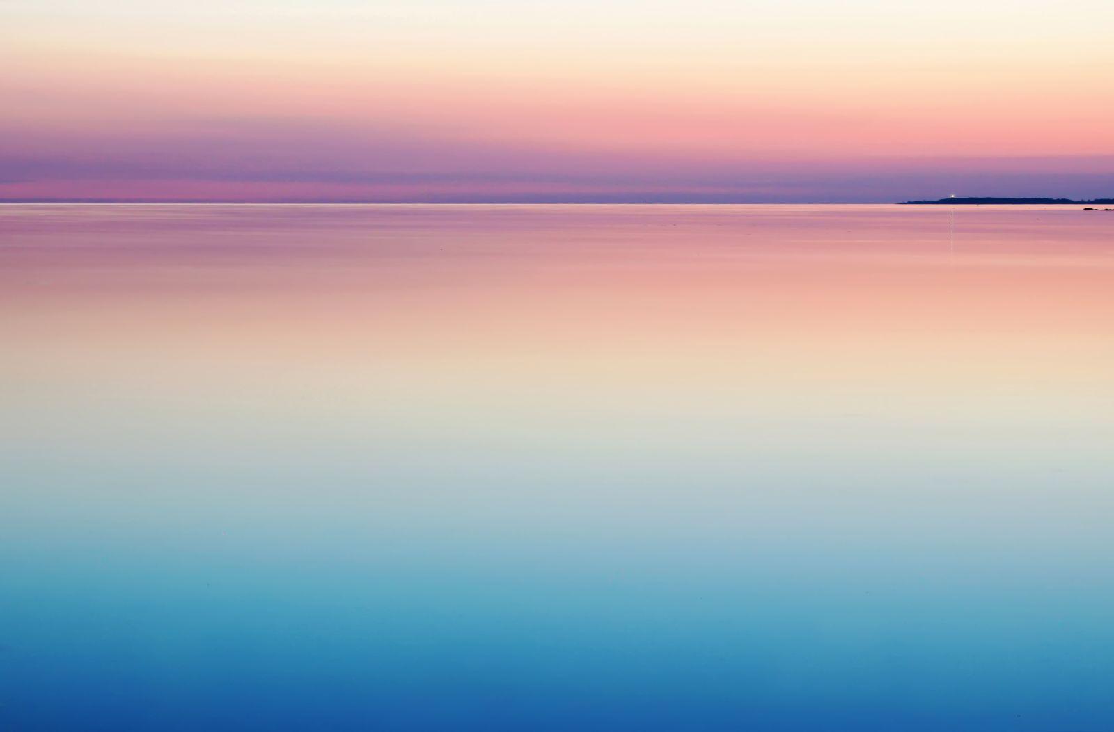 Sonnenuntergang in wunderschönen beruhigenden Pastelfarben